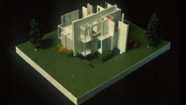 modernist architecture essay